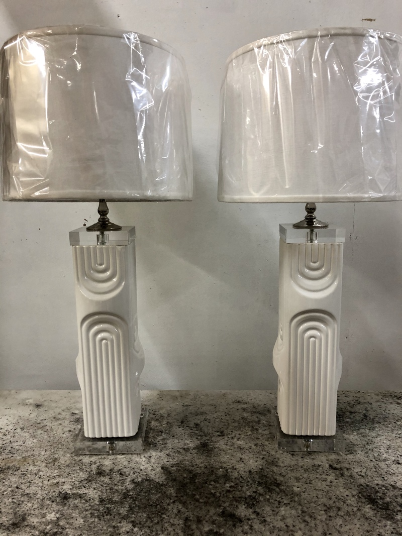 PAIR OF WHITE CERAMIC/LUCITE LAMPS